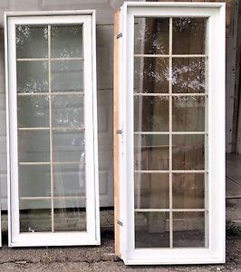 2 Fenêtres rectangulaire 27''5/8 x 71'' avec carrelage à vendre