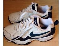 New Mens Nike Trainers UK 7 / Europe 41