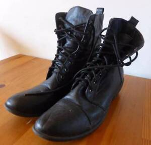 Boots = military style Clayton South Kingston Area Preview