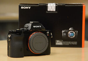 Excellent IB Sony A7R 36.4 MP FF Camera; latest FW, Low clicks