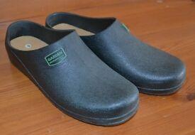 Green gardening shoes