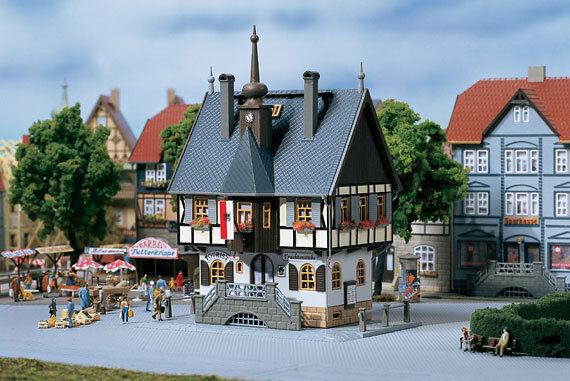 AUHAGEN HO/TT HISTORIC TOWNHOUSE - PLASTIC MODEL KIT #12350