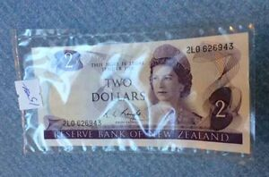 "New Zealand 1975 $2 Dollar Note ""Knight"""