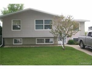 Bright Three Bedroom Eastview Home for Rent -Utilities Included