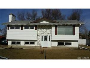 A home with nice and quiet crescent in the Palliser Area.