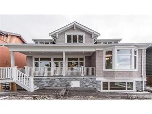 Cape Cod style home with car garage and additional on site