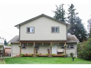 Spacious 3 bed Colwood home for rent