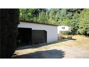 The seller has agreement for access through the neighboring