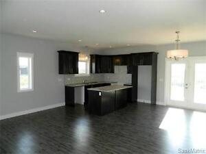 Amazing 2300 Sq ft Walk Out Basement in Regal Valley Estates