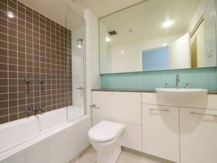 Room Share -  Join us in a girls only furnished luxury apartment Wolli Creek Rockdale Area Preview