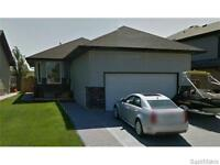 CHECK OUT THIS GREAT BUNGALOW IN STONEBRIDGE! SHOWS 10/10