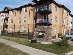 Immaculate 2-Bedroom Condo in Lakewood! 2 Parking Spaces!