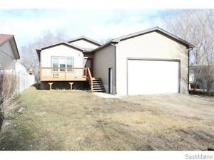 For Rent - Home in Lampman with Double Garage