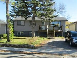 5 Bedroom Home for sale in beautiful Arnheim Place! Rental Suite