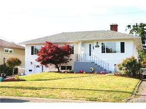 2br - 1100 ft2 - Bright, Sunny, Walk Out, 2 BR Basement Suite