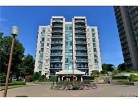 Bright and airy 2 beds condo in Downtown Victoria for sale