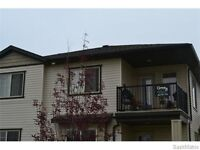 Great 2 Bed Harbour Landing Condo! 155-5075 James Hill Rd