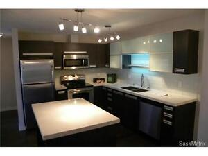 East End,Luxury Condo, includ. water and gas bill,July01/2017
