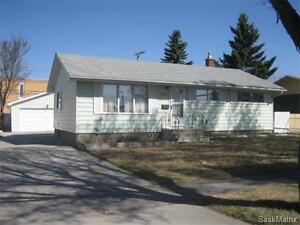 Spacious 4bed/2bath home in Coronation Park for sale!