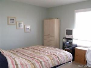 2 Bedrooms in a fully furnished townhouse - Avail. Dec-Jan