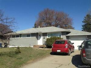 GREAT LOCATION NEAR U of S - 3 bed main floor utilities included