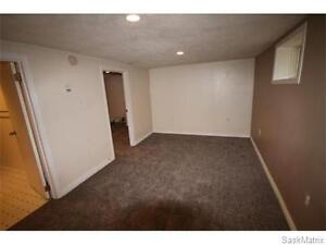 Basement suite Off College ave Utilities included