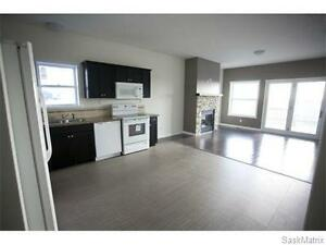 END UNIT Townhouse in Carlyle For Rent or Rent to Own