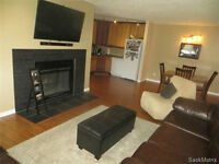 Upgraded 2 Bedroom Condo For Sale - 4 GORE PLACE