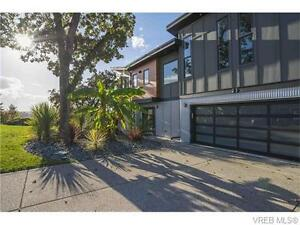 *** Contemporary Living with Stunning View ***