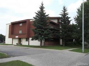 Affordable 2 Bdrm Condo in Crescent Acres!
