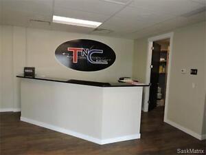 Exceptional Building for sale 649 - A- Solomon Crescent Regina Regina Area image 3