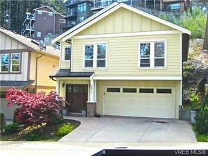 Double car garage and great location within minutes of Golfing