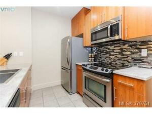 LARGE 2-LEVEL CONDO IN LANGFORD