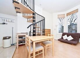 Bright studio flat to rent in excellent location, minutes from tube