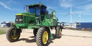 John Deere 4700 SP Sprayer