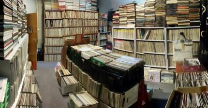 LP RECORDS - THOUSANDS AT DURATONE CANBERRA! Phillip Woden Valley Preview