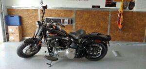 Harley Davidson Cross Bones FLSTSB 2011 flambant neuf