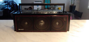 VINTAGE HITACHI BOOMBOX IN EXCELLENT CONDITION!!