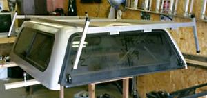 Aluminum roof rack