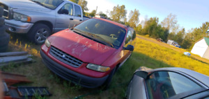 Plymouth grand voyageur 1996
