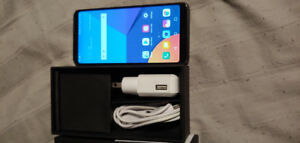 LG G6 UNLOCKED 32GB WITH ALL ACCESSORIES *NEGO
