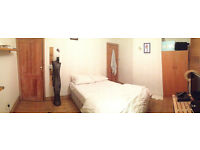 Spacious dbl bedroom St Margarets/Isleworth - Ideal for working people. All fees included.