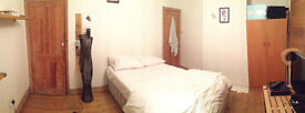 Spacious dbl bedroom. Ideal for working people. All included