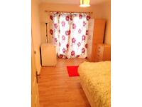 2 double rooms available in a 4 bed flat in Stoke Newington