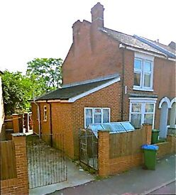 *5 Bed Student House to let for 2018-19. Off Road Parking. No Fees.*