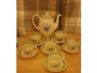 Incredible condition Alfred Meakin Hedgerow complete coffee set- pot, six cups and saucers