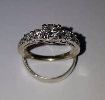 1.25 carat 14ct white gold Diamond ring + 0.22 carat Diamond band