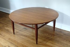 WANTED: Round Table Top (Formica)
