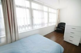 Stay at Canary wharf**Beautiful Room close to stations