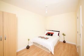Y NEW BUILT CLEAN PROPERTY LOOKING TO SHARE WITH LESS FLATMATES?? BOOK HERE